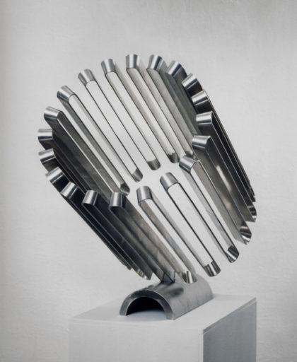 Rohrelement, radial aufsteigend von Martin Willing